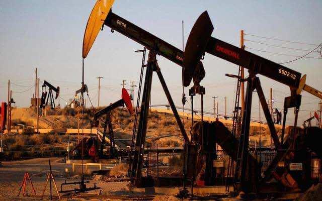 النفط بإنزكان